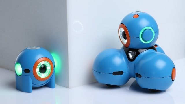 Veteranos de Google y Apple crean robots que ayudan a los niños a programar