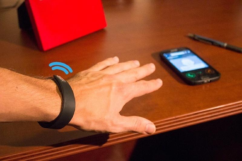 Vybe, la pulsera que vibra cuando recibes una notificaci�n de tu m�vil