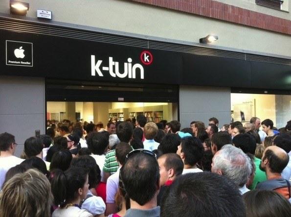 Colas en la tienda K-tuin de Málaga